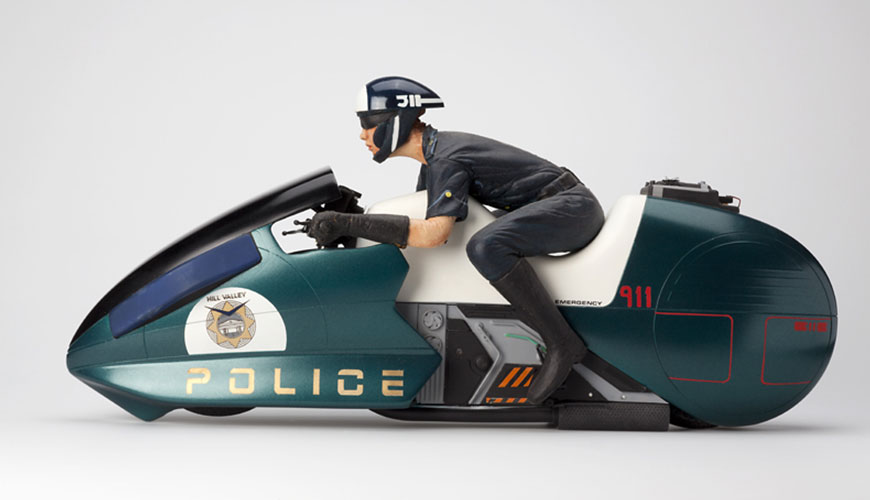 futuristic police flying motorcycle original model by ilm. Black Bedroom Furniture Sets. Home Design Ideas